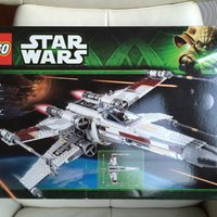 Lego Star Wars UCS Red Five X-Wing Starfighter (obruten förpackning)