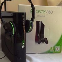 Xbox 360 250GB / Go Controller 16 spel Turtle Beach Headset Boxed and Complete +2349057347851