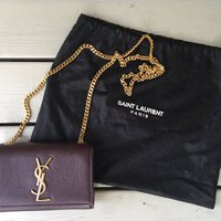 Saint Laurent YSL burgundy bag - som ny!