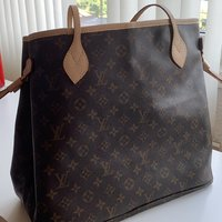 LV neverfull large med clutch