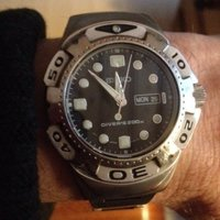 SEIKO SCUBA DIVER´S 200 METER DAY/DATE *VINTAGE - UNISEX*