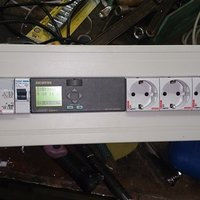Rackmonterade elcentraler med/Power distribution units with Siemens Logo! 230rcl PLC