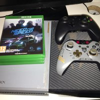 Xbox one 1 TB ADVANCED WARFARE EDITION MED 5 SPEL OCH 2 handkontroller