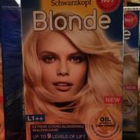 Schwarzkopf Blonde L1++ Extreme Lightener 143 ml