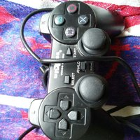 Playstation 1 kontroll svart
