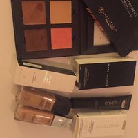 Foundation, contour, smink