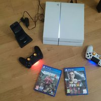 PlayStation 4 (PS4) Spelkonsol 500 GB (vit) paket