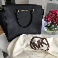 Michael kors selma bag L