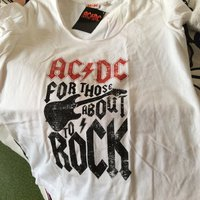 Helt ny top med ACDC