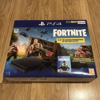 Ny Playstation 4 500 GB med spelet Fortnite.