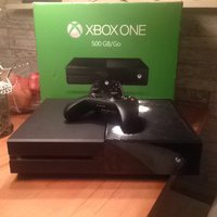 XBOX ONE 500gb (gta v) fifa 16 edition