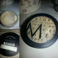 Make-up store loose powder