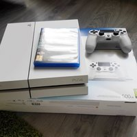 PS4 Playstation 4 500 GB med 4 spel