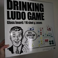 Drinking ludo game, partyspel