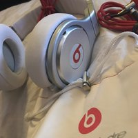 "Beats by dr. Dre ""white"""