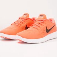 NIKE Performance Free Run