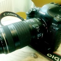 canon 1d mark ii n. canon ef 70-300mm is usm.
