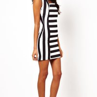 Klänning -John Zack White Mini Dress with Cut Out Neck
