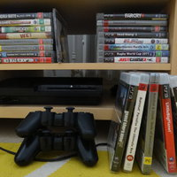 Playstation 3, slim 160gb. 2 kontroller, 22 spel.