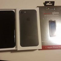 IPHONE 7 32GB black unlocked with glass protection and accessories