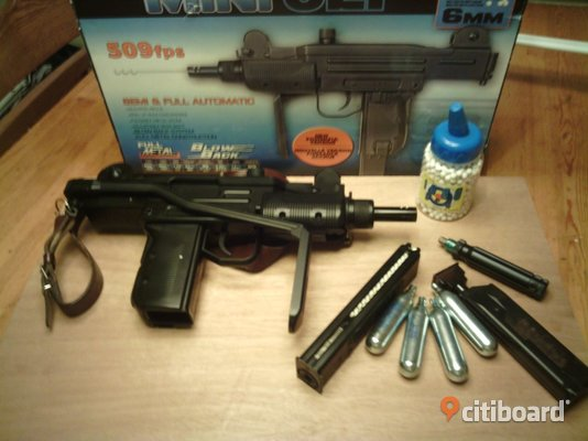 Co2 UZI 6mm Haninge