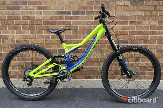 2015 SPECIALIZED DEMO 8 I 27.5  MEDIUM M Downhill Bike 650B utmärkt skick Simrishamn