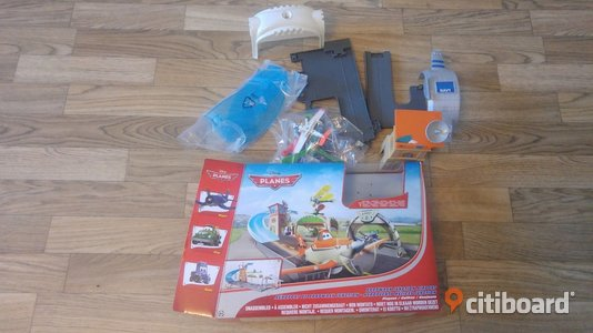 Disney Planes Propwash Junction Airport Playset För barn Göteborg Sälj