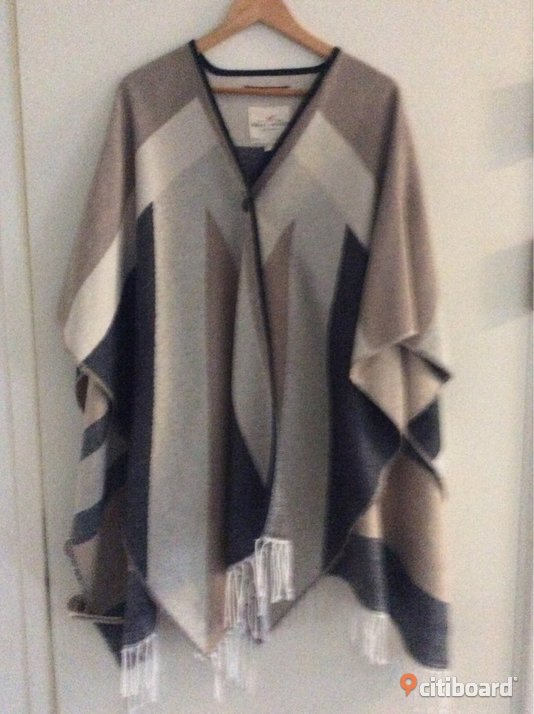 Nyskick! Poncho Holly & Whyte by Lindex
