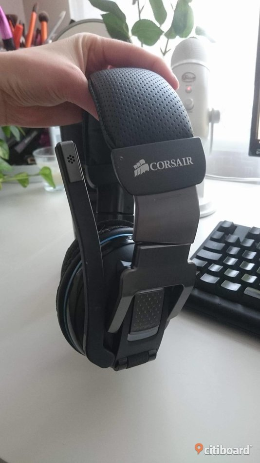 Corsair Vengeance 2000 Gaming Headset vireless mick Sundsvall