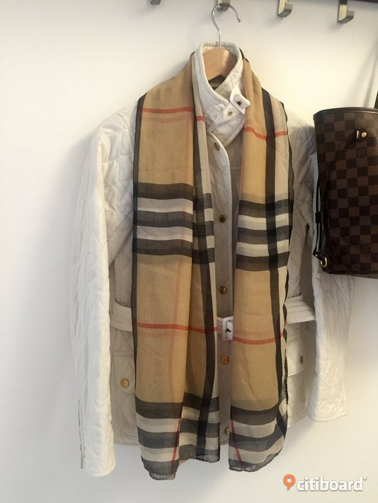 Burberry scarf  Stockholm