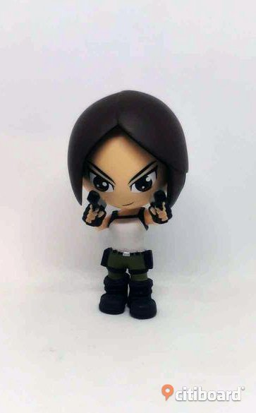 Tomb Raider Lara Croft : mini vinyl figur 8 cm : loot gaming crate exclusiv Älvsbyn