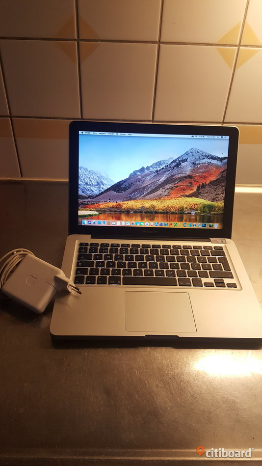 "Macbook 13 "" + Office Paket 2011 - Toppskick Halland Falkenberg"