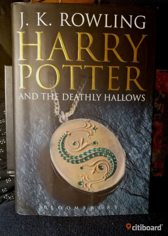 """Harry Potter and The Deathly Hallows"". First Edition! Inbunden.  Stockholm Vaxholm"