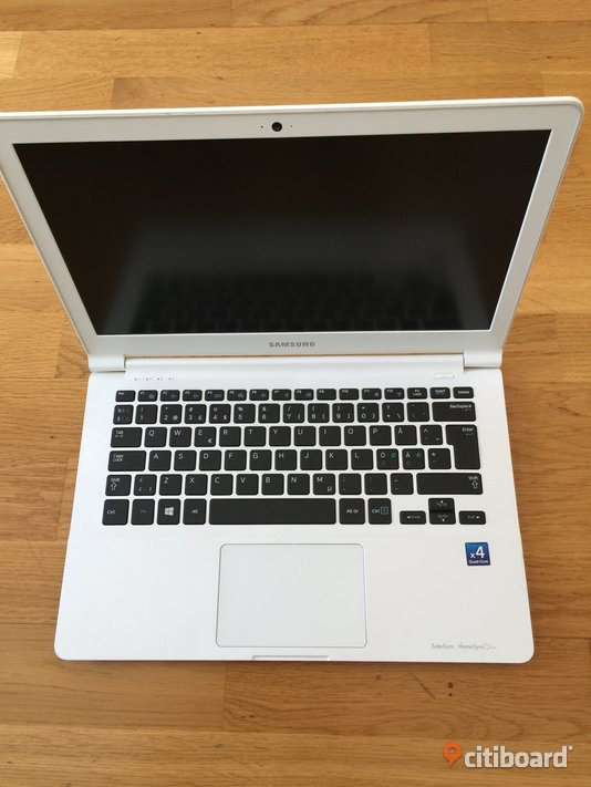 "SAMSUNG 13,3"" RAM 4GB SSD 120GB  AMD A-series A6-1450 1,4 GHz  Genuine Windows 10 NYinstall aktiverad  Trelleborg"