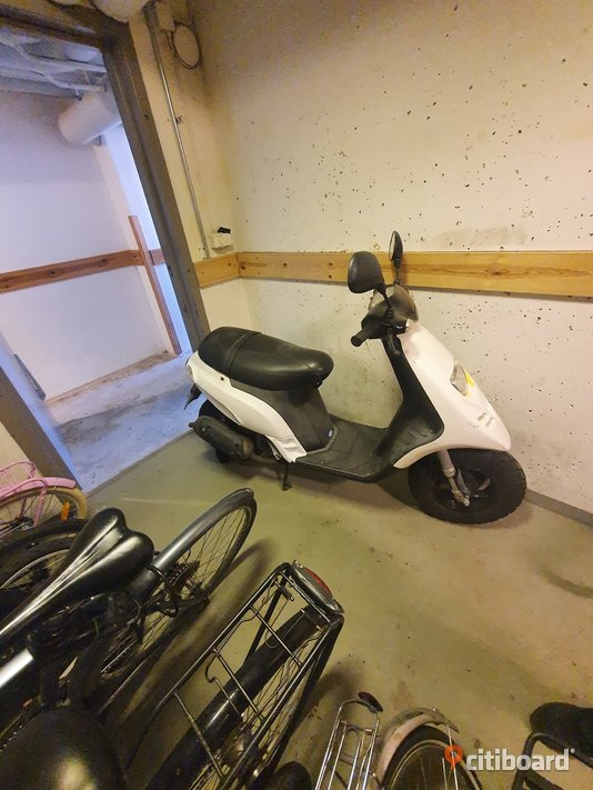 Moped Piaggio Typhoon 07 Huddinge