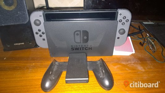 Nintendo Switch Grey med Zelda Breath of the Wild Krokom Sälj