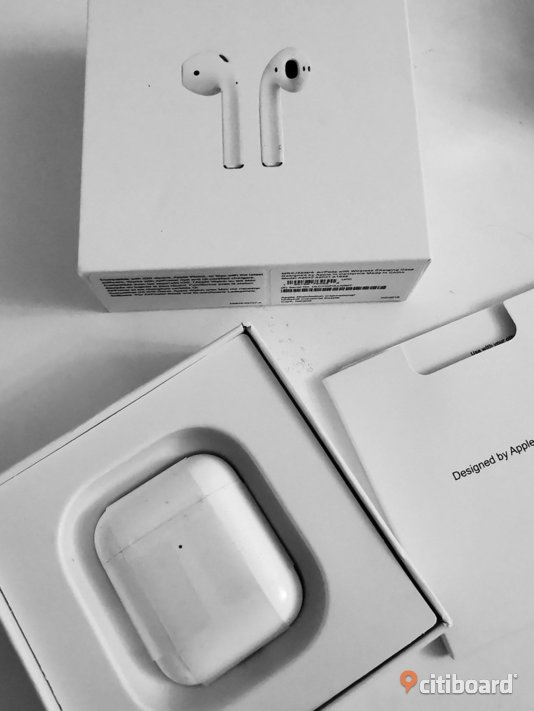Apple airpods 2 with wireless charging case  Borås / Mark / Bollebygd