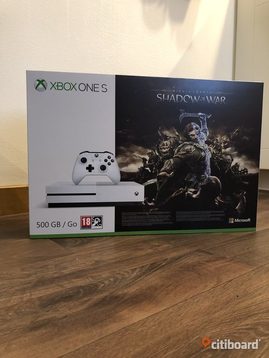 HELT NYTT ! Xbox One S 500GB + Middle Earth Shadow of War Norrköping