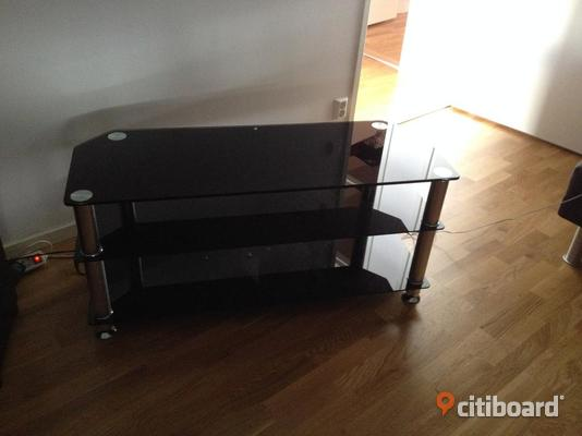 tv bank svart glas m bel f r k k sovrum. Black Bedroom Furniture Sets. Home Design Ideas