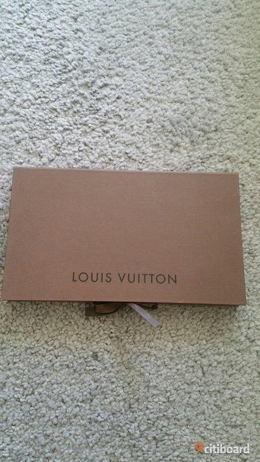 Louis vuitton box 25x15x2 Solna