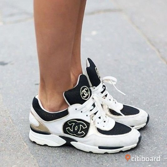 Ombloggade Chanel Sneakers CC Skor Shoes Streetstyle Blogg Fashion Design 38-39 Vardag & sneakers Örebro Örebro