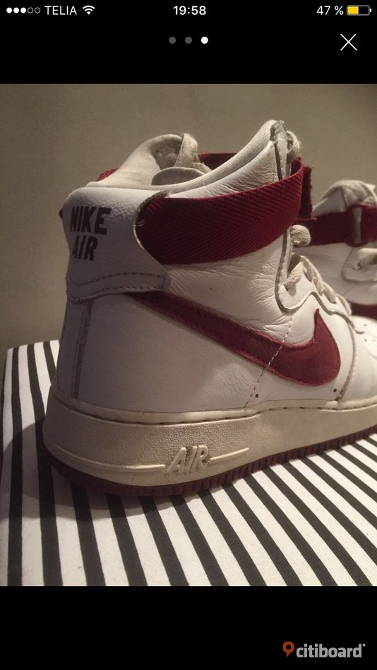 Nike airforce 1 red/white 43-44 Umeå