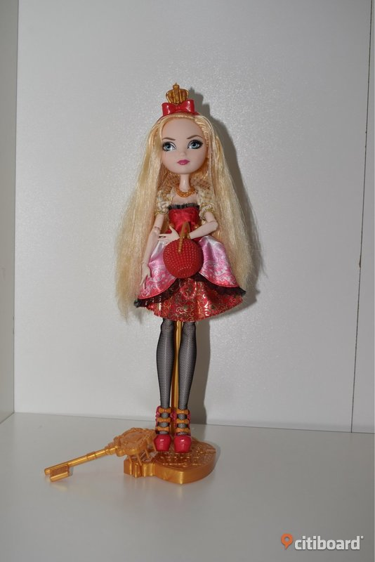 Ever After High docka