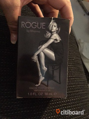Rihanna rogue parfym 30ml Borås / Mark / Bollebygd Sälj