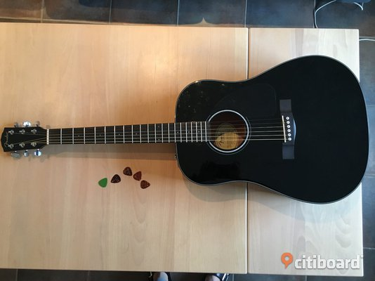 Fender CD60 Acoustic Guitar Kristianstad