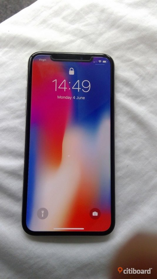 Apple iPhone X - 64GB - Silver (olåst) & APPLE iWatch Bundle Gnosjö