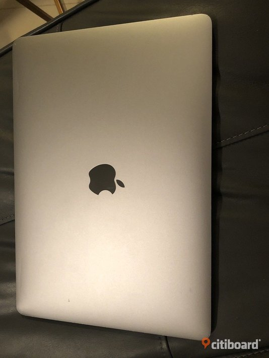 Apple MacBook Air 13.3, Intel ® Dual Core ™ i5 2,2 GHz 8 GB ram, 512 GB SSD Silver Blekinge Karlshamn