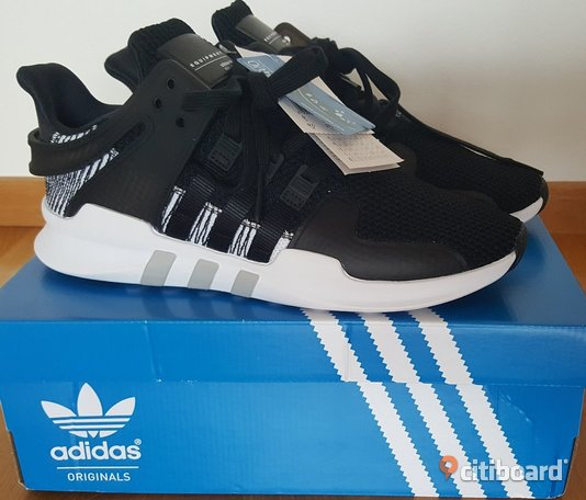 Nya Adidas Originals EQT SUPPORT ADV , core black/footwear white.Strl.43 1/3 43-44 Malmö