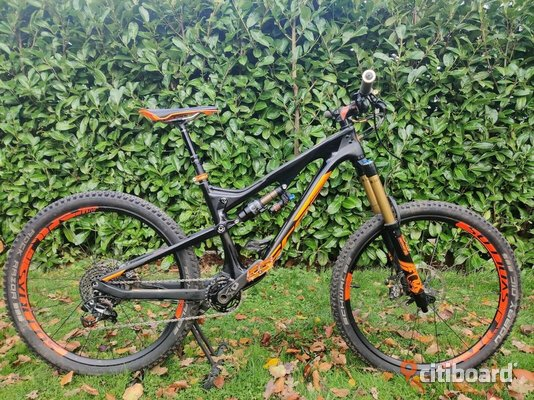 Scott Genius LT Tuned Carbon Enduro Mountain Bike MTB Size Medium Karlskrona