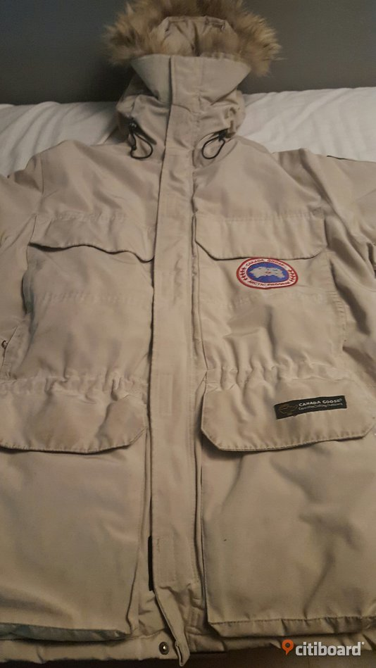 Canada Goose expedition parka 48-50 (M) Upplands Väsby